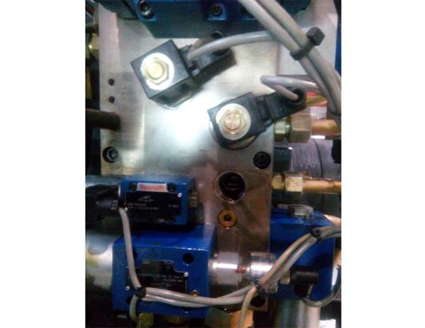 进口机液压检修